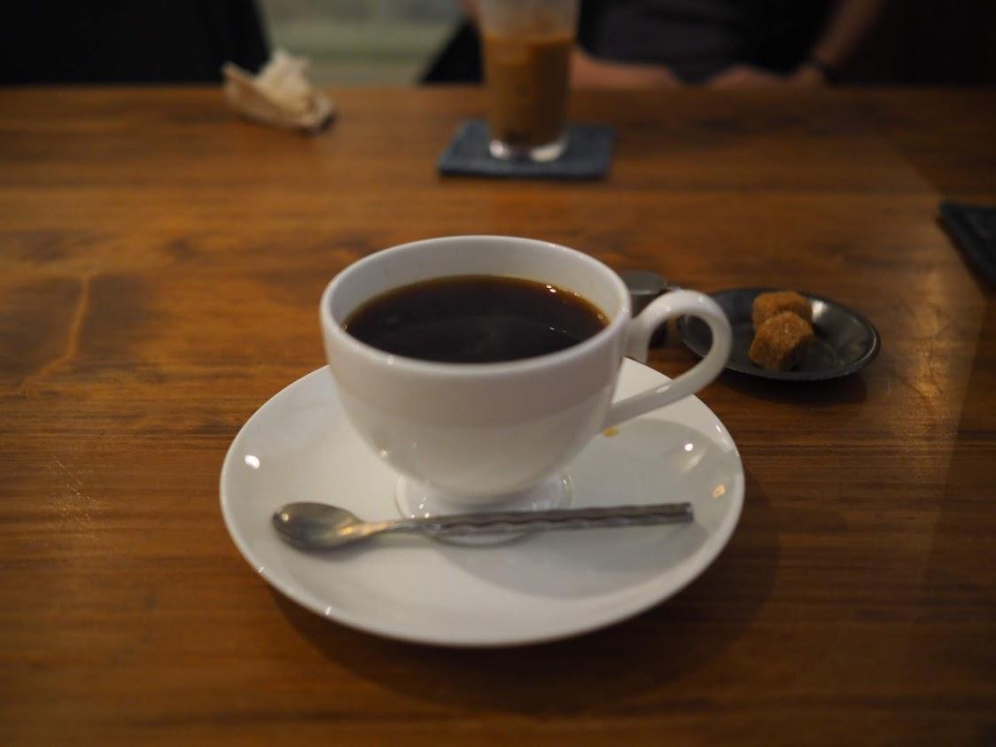 セットのホットコーヒー
