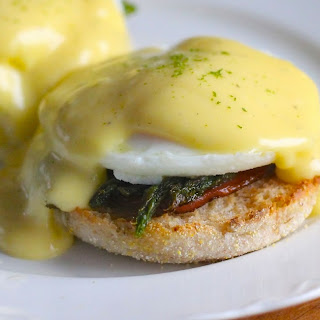 Eggs Benedict with Grilled Asparagus