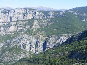 Photo: Geologists surmise that the river flowed through an underground cavern before the Verdon Gorge was formed. Erosion slowly weakened the cavern's roof, which eventually collapsed under its own weight, opening up the great chasm. The river then washed away the huge volume of debris generated, leaving behind the gorge we see today.