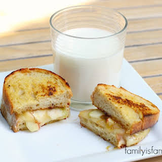 Grilled Brie and Apple Sandwich.