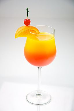 256px-Tequila_Sunrise_garnished_with_orange_and_cherry_-_Evan_Swigart.jpg