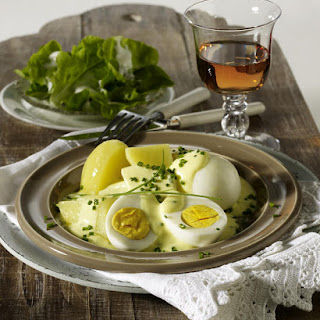 Eggs in Mustard and Chive Sauce