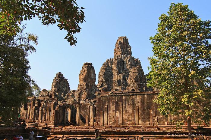 Байон, центральный храм Ангкор Тома