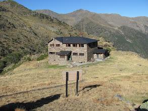 Photo: Die Coma-Pedrosa-Hütte 2200 m