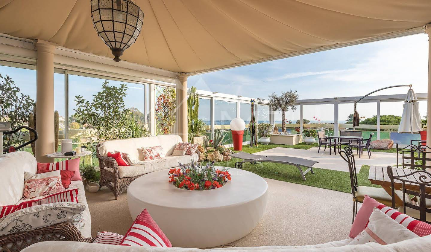 Villa with terrace Cannes
