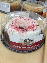 Photo: This cake will be perfect for the party with its blood color.