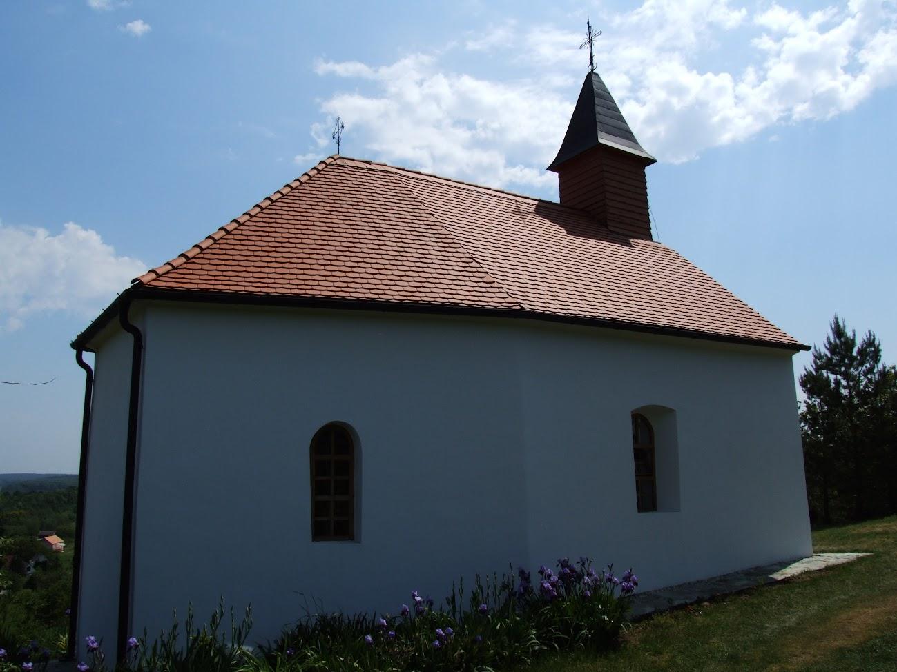 Felsőcsatár - Szent Fábián és Szent Sebestyén kápolna a Vas-hegyen