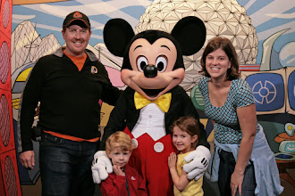 Photo: Meeting the mouse in Epcot