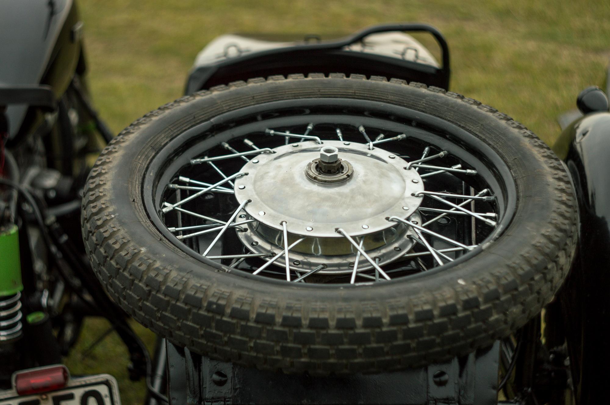 гума на колясці