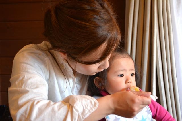 最初が肝心!子どもとの食事が楽しくなる離乳食の始め方
