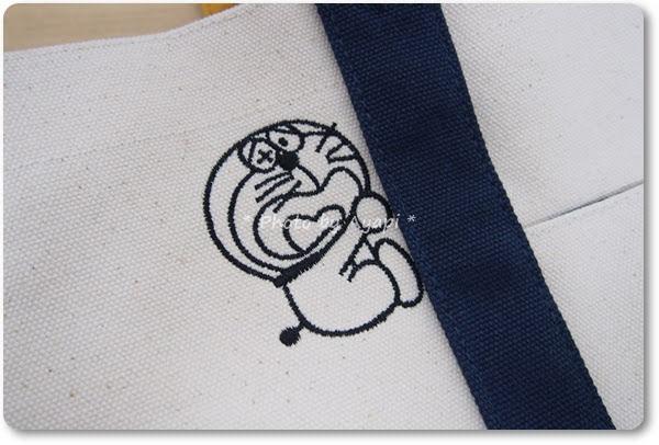ドラえもんトートバッグ刺繍1