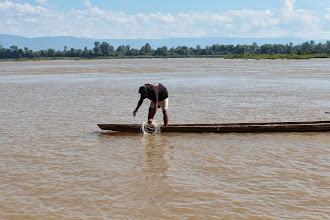 Photo: Laos Reisen, Fischer auf dem Mekong