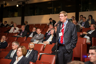 Photo: … and during one of the Q&As. In the picture:  Dr. Sape Miedema (Delft University of Technology, the Netherlands)