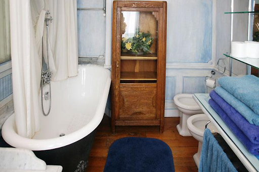 saint germain vacation rentals washroom