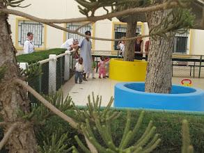 Photo: Sn3S0022-Dakar Pouponnière, fond de cour intérieure, parc clos pour enfants IMG_0057