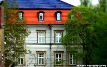 Photo: Schloss Neustadt-Glewe  http://www.beepworld.de/members5/jennus/staatssicherheit.htm