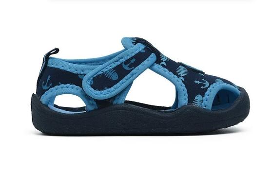 Nên chọn những đôi giày trẻ em có đế mềm mại