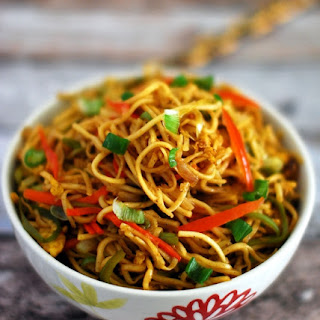 Vegetable And Egg Hakka Noodles