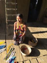 Photo: Joven artesana de El Yucal