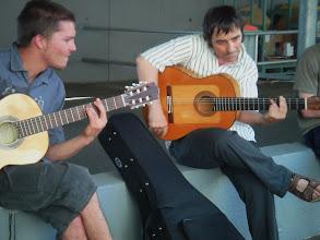 Photo: dos guitarras