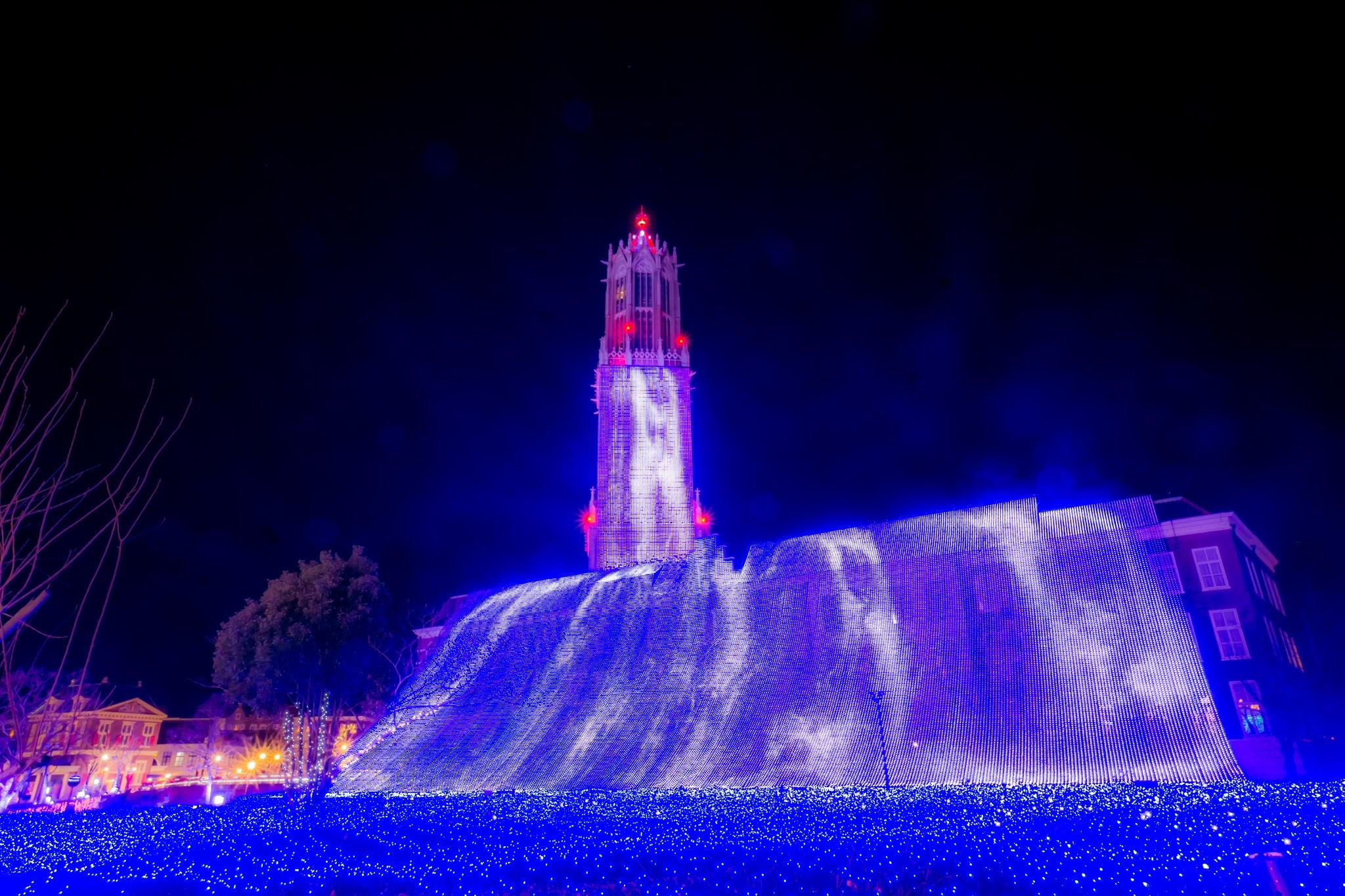 ハウステンボス イルミネーション 光の王国 光の滝1