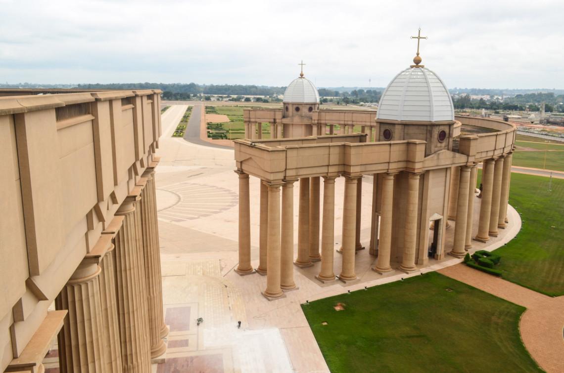 Nhà thờ Công giáo cao nhất thế giới tọa lạc ở Châu Phi