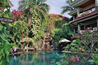 Photo: Piscine du Parigata Resort à Bali en Indonésie