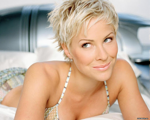 Brittany Daniel - sexy Hollywood women wallpaper