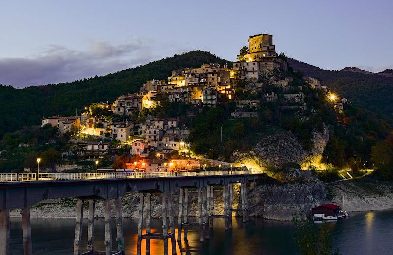 E quando Scende la sera.......Castel di tora di gianluca_simotti
