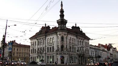 Photo: Nr.38  - Palatul Babos  construit din 1890, în stil neogotic.  A găzduit birourile Breslei Artelor Frumoase Ardelene. Monument istoric.  http://www.europeana.eu/portal/record/09401c/B92C55CFD883388527B4F7AB09E3C9F5950FF5DD.html?start=4 (2012.08.28)