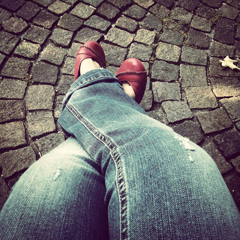 The woman in RED... shoes!!! di Francesca Malavasi