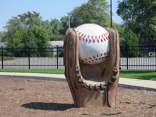 野球グローブの椅子