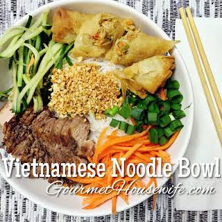Vietnamese Noodle Bowl (Bun).