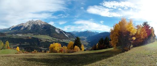 Photo: Stierva - Herbst 2013, Blick aufs Lenzerhorn und ins Albulatal