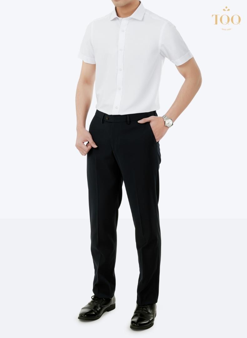 Sơ mi trắng trơn phối hợp quần âu nam đen - Set đồ kinh điển phải có trong tủ đồ quý ông