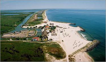 Photo: Jurilovca - Gura Portitei - Delta - sat de pescari.  sursa info: http://loon.ro/statiunea-din-romania-de-care-nu-ai-auzit-dar-care-devine-un-sant-tropez-al-europei-este-una-dintre-cele-mai-frumoase-plaje-din-lume-si-este-inundata-de-turisti-din-toate-colturile-lumii-desi-putin/?utm_medium=social&utm_campaign=postplanner&utm_source=facebook.com