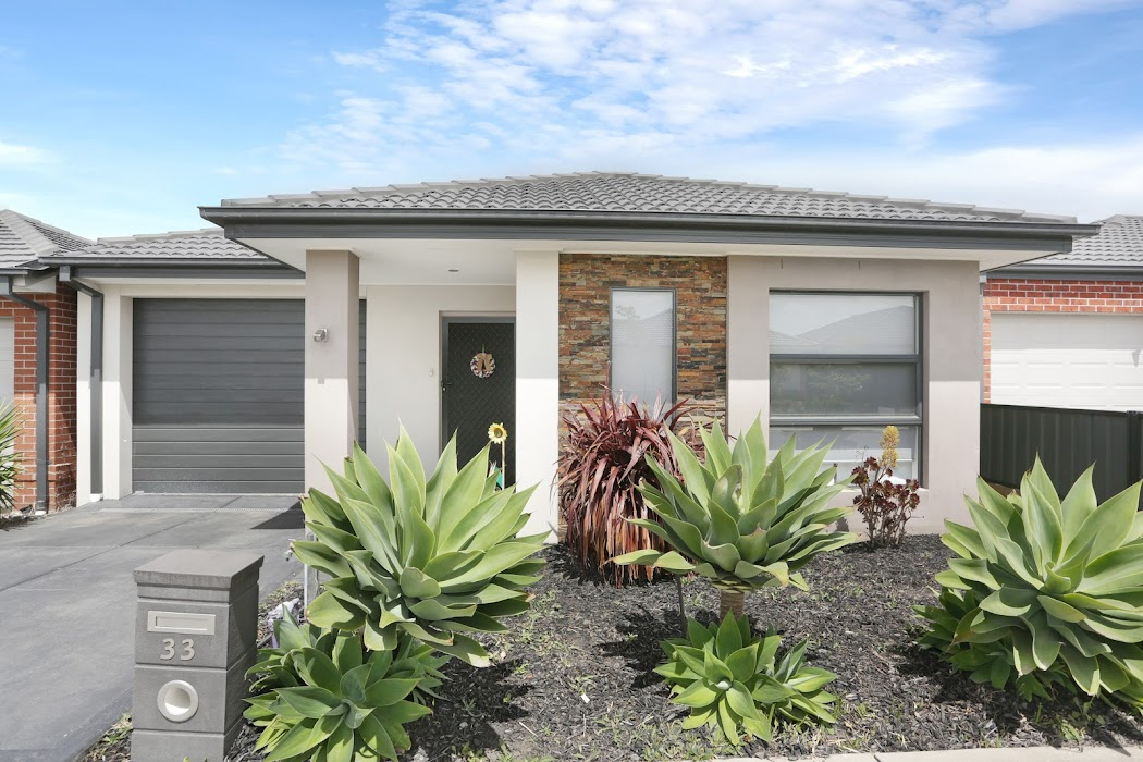 Main photo of property at 33 Jonesfield Street, Craigieburn 3064
