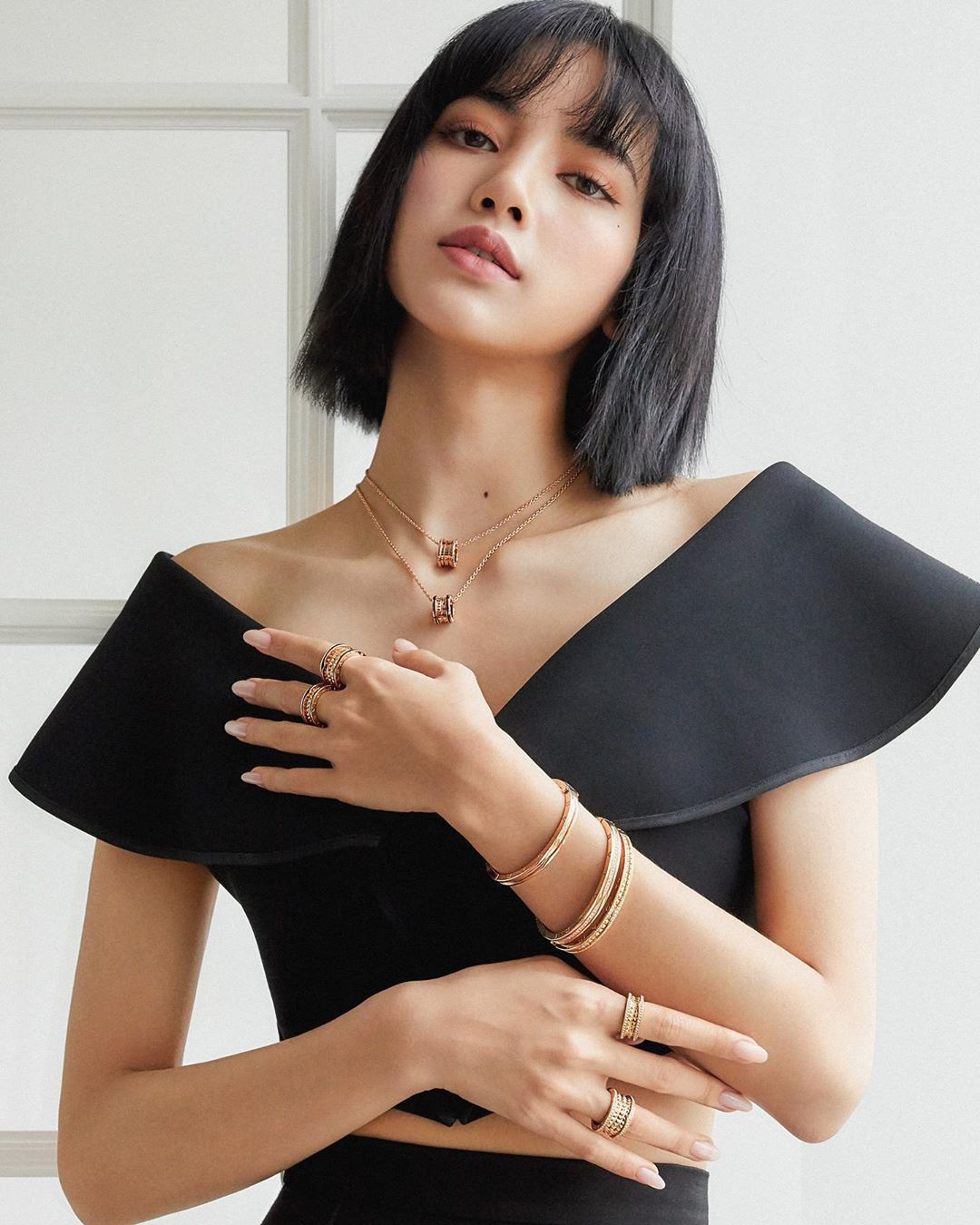 1-BLACKPINK-Lisa-Bulgari-Brand-Ambassador