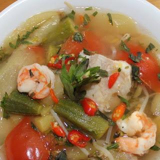 Vietnamese Sour Soup(canh Chua).