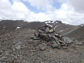 Photo: La fita cimera del Cim de la Roca Blanca