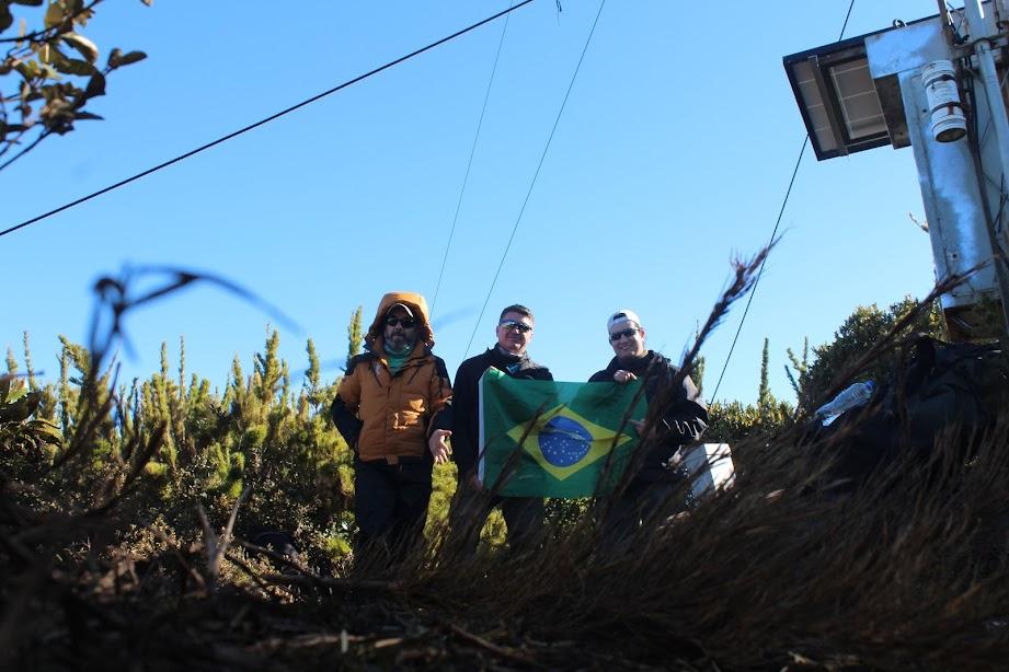 Pico Caratuva, 1860m, segunda montanha mais alta da Região Sul do Brasil, Serra Ibitiraquire. Campina Grande do Sul, Paraná, Brasil. Jean Marie Polli, Jean Felipe Lopes e Marlus Erdmann.