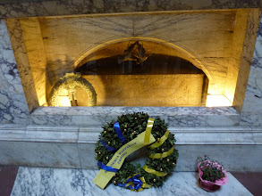 Photo: Tomb of Raphael