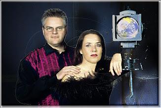 Photo: 2003 04 12 - N 03 03 16 323 w - D 027 - Der Pianist und sein Licht