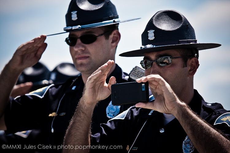 Photo: iphone salute