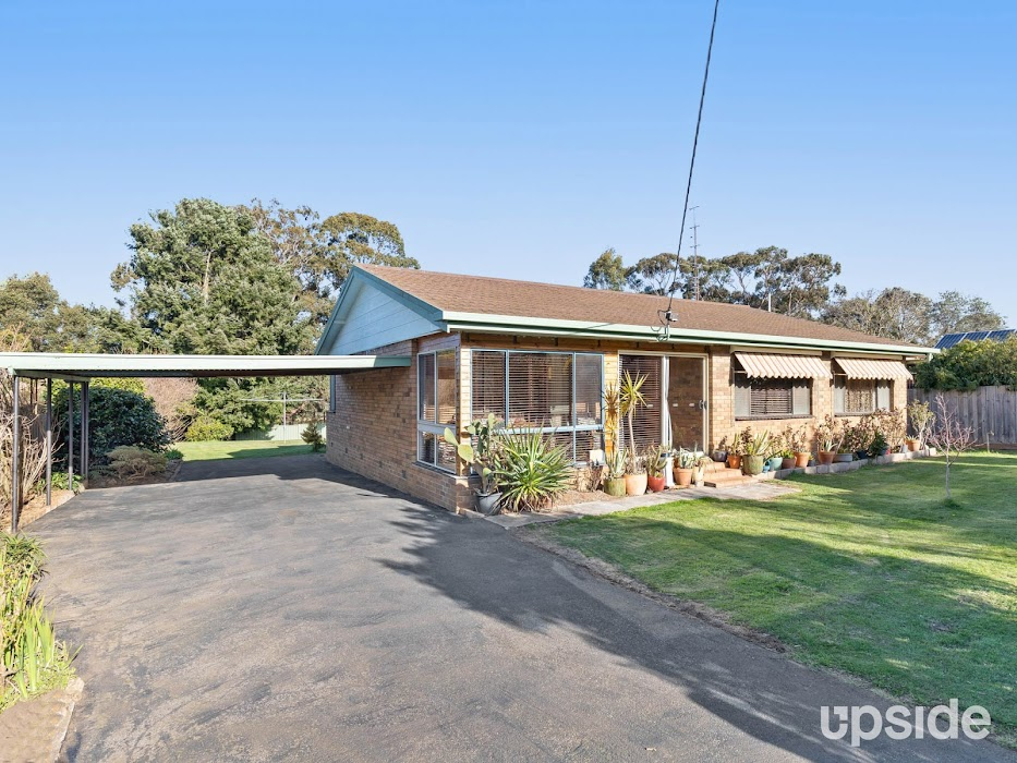 Main photo of property at 10 Blue Mount Road, Trentham 3458