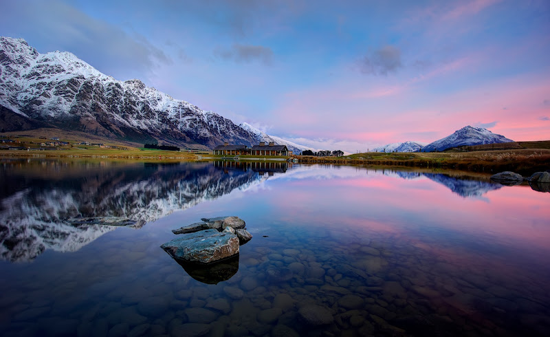 Photo: From the Sony NEX-7 Review by Trey Ratcliff at http://www.stuckincustoms.com/sony-nex-7-review/