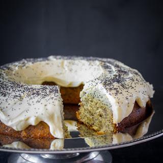 Lemon & Poppy Seed Cake {Easter Recipe}