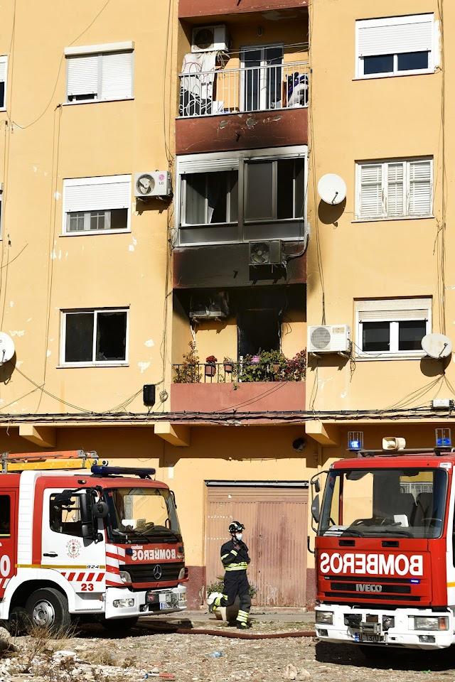 Imagen del edificio quemado por el fuego originado en la primera planta. Jorge J. Rapallo