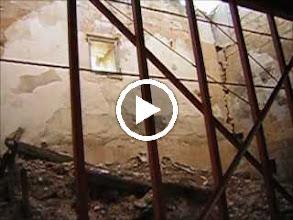 Video: ARCHIVO DE VÍDEO Iglesia románica de Villaescusa de Palositos en agosto de 2005. Su estado en 2011 es aún más precario a pesar del expediente BIC iniciado, y culminado el 5 de junio de 2012.