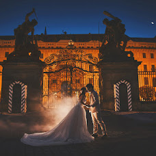 Wedding photographer Kurt Vinion (vinion). Photo of 13.08.2018